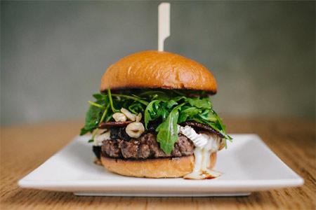 Pono Burger has brought its organic, island-inspired burgers to the Sunset Strip