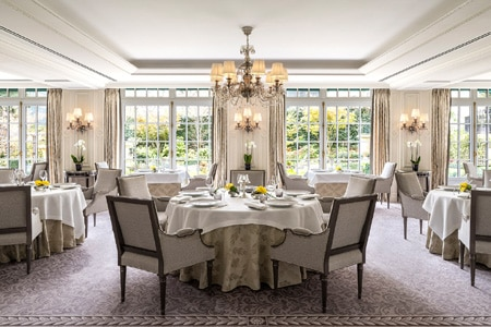 French restaurant with an enviable garden, accomplished cooking and luxe accents in the Shangri-La Hotel, Paris.
