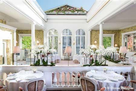 Restaurant Lasserre, Paris, france