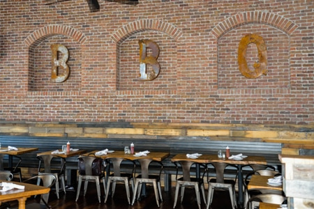 The barbecue beat goes on at Smoke Ring, one of the few bbq joints in downtown Atlanta