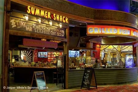 The raw bar and seafood shine at this upscale lobster shack inside Mohegan Sun Casino.