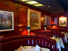 Dining room at Taylor's Steakhouse, La Cañada Flintridge, CA