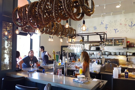 A casual, friendly spot for sipping, socializing and seafood in Venice Beach.