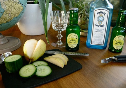 Bombay Sapphire Gin and Tonic (photo via: https://www.flickr.com/photos/anemonehoney/)