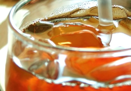 Make great iced tea from home with this easy-to-follow recipe
