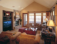A snug suite at The Club at Big Bear Village in California