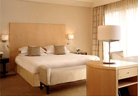 The Hyatt Regency Birmingham features contemporary guest rooms with views of the city or canal
