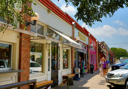 Grab lunch or dinner at the Bishop Arts District in Dallas, Texas
