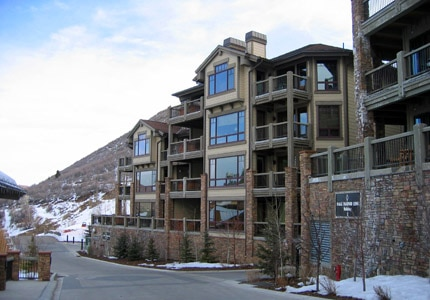 The Black Diamond Lodge in Deer Valley offers a ski-in/ski-out location
