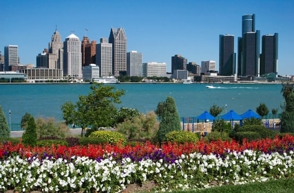 Riverfront Park in Windsor and Detroit Skyline