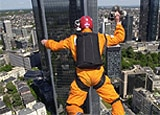 Base jumper in Frankfurt