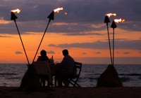 Hawaii is for lovebirds! Plan your Hawaiian honeymoon or romantic escape with our travel guide