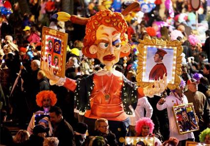 Join the festivities of Carnevale di Viareggio in Italy