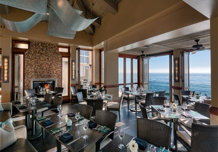 The dining area of Splashes at Surf & Sand Resort in Laguna Beach, California