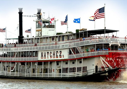 Enjoy dinner and jazz music on the Natchez Steamboat
