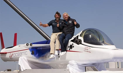 Chief pilot Chris Welsh and Sir Richard Branson on top of the Virgin Oceanic submarine