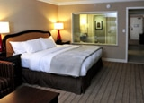 Sleep in at Hilton Hotel and Suites Niagara Falls
