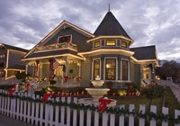The Victorian houses along Vine Street in Paso Robles are beautifully decorated each Christmas