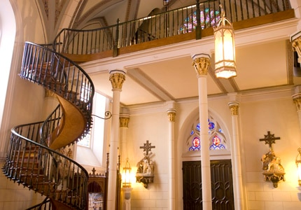 Legend says that the spiraling staircase at Loretto Chapel in Santa Fe, New Mexico, was built by a mysterious carpenter