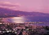 The enchanting Santa Barbara shoreline at dusk