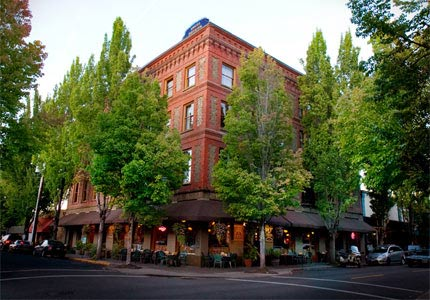 Hotel Oregon in McMinnville has been standing since 1905