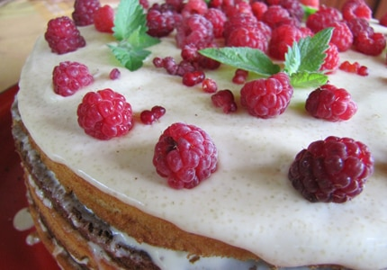 Berry cake is best paired with sparkling wine
