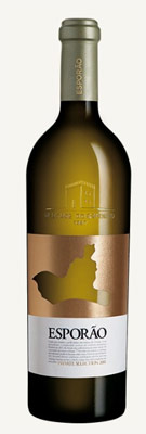 Esporao 2011 Private Selection White, one of GAYOT's Top 10 Value Wines, is an elegant white blend with rich, creamy flavors