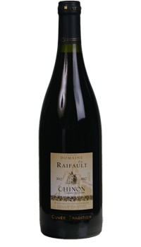 The Domaine du Raifault Chinon Cuvée Tradition 2012 undergoes a 15-day maceration in temperature-stabilized stainless steel vats