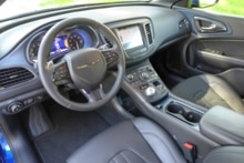 http://automobile.gayot.com/wp-content/uploads/sites/2/2015/03/Chrysler-200S-dashboard-1024x682.jpg