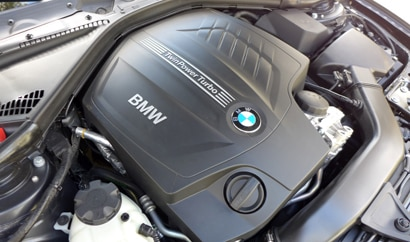 The 3.0-liter twin-turbocharged inline-6 engine of the 2014 BMW 435i Coupe