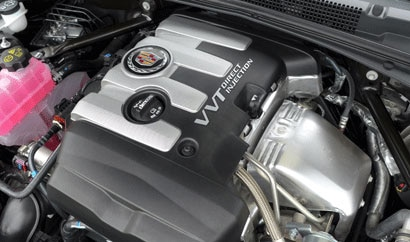 The 2.0-liter turbocharged 4-cylinder engine of the 2013 Cadillac ATS 2.0T Premium Collection