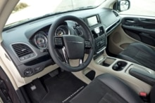 2014 Chrysler Town & Country dashboard