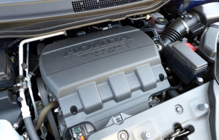 2015 Honda Odyssey 5-Door Touring Elite engine