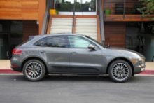 2015 Porsche Macan right side view