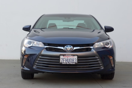 2015 Toyota Camry Hybrid front view