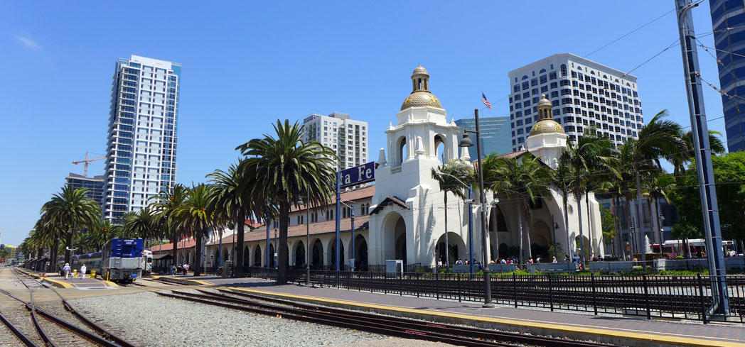 Find information on transportation, hotels, restaurants and attractions for your business trip to San Diego, California