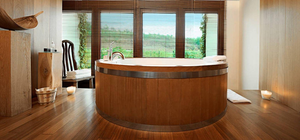 Enjoy a barrel bath at Vinothérapie SPA Caudalie Marqués de Riscal