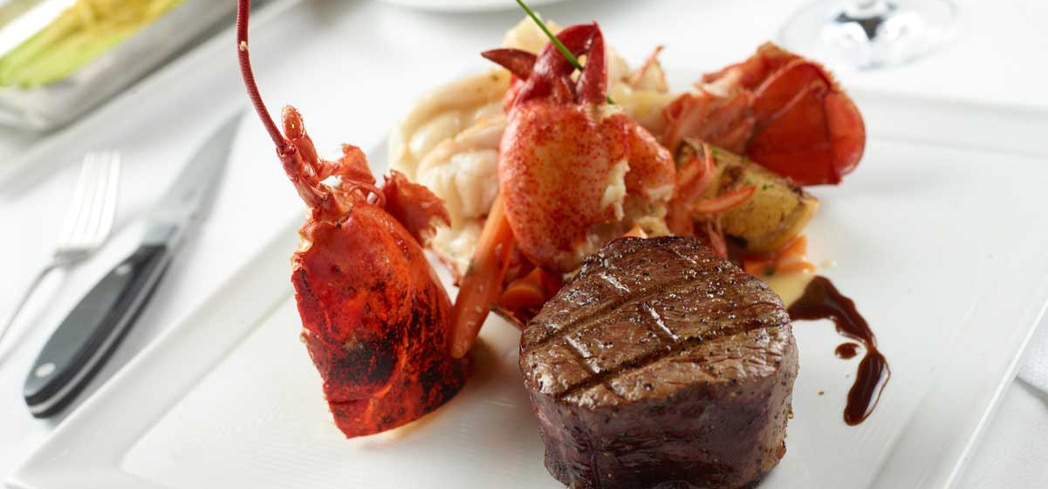 Charlie Palmer Steak S Er Poached Maine Lobster And Pee Filet Mignon