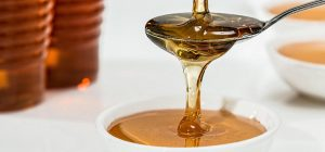 Raw honey has natural anti-bacterial and anti-fungal properties