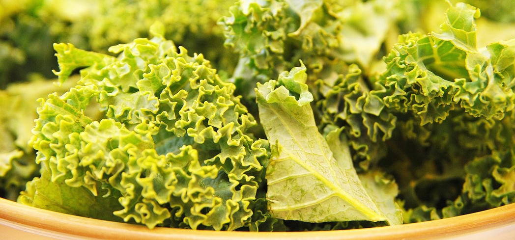 Just one cup of raw kale contains 15% of the recommended daily value of calcium and vitamin B6
