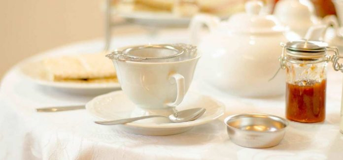 Like any small mid-course or a palate cleanser, tea is a great flavor bridge from one course to the next