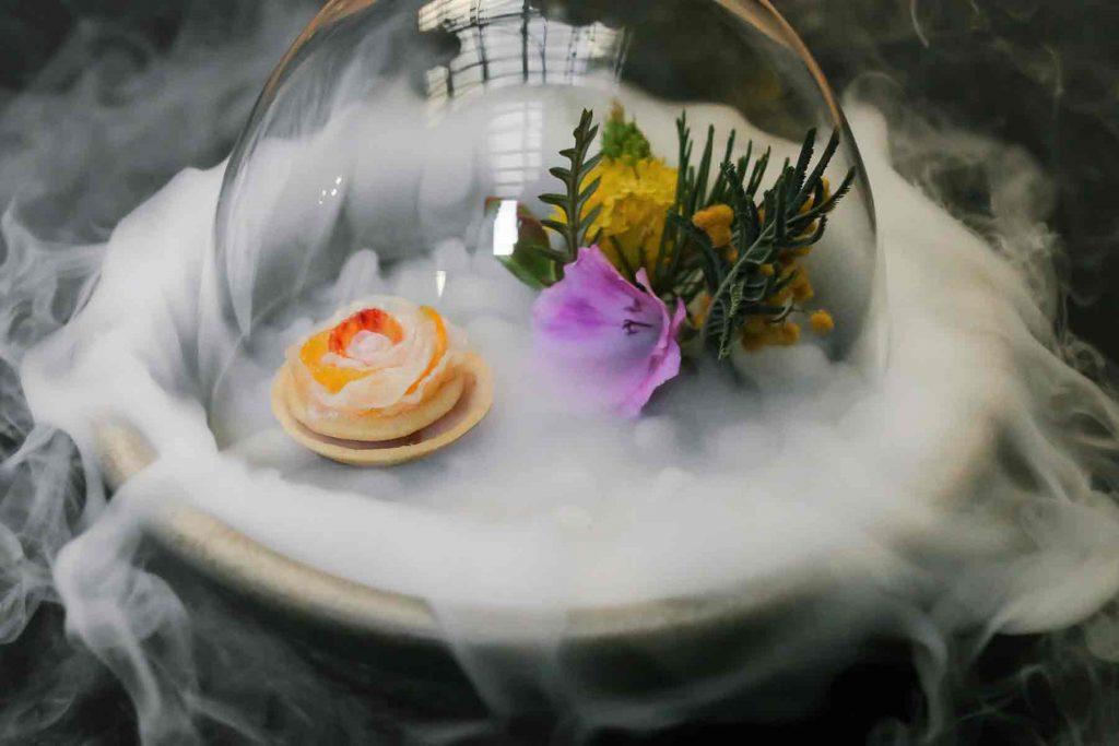 Atelier Crenn geoduck, sea urchin & citrus (c) Jordan Wise Photography