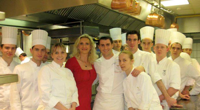Restaurant business affcetd by the coronavirus