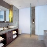 Jaguar Suite bathroom
