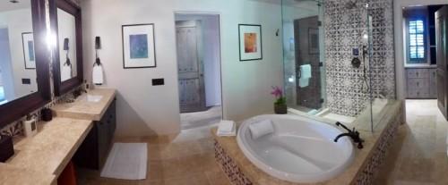 A bathroom in the Valencia Suite at Rancho Valencia
