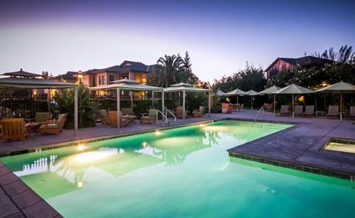 The pool at Wine & Roses Hotel in Lodi, California