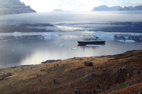 The Ocean Endeavor in Greenland