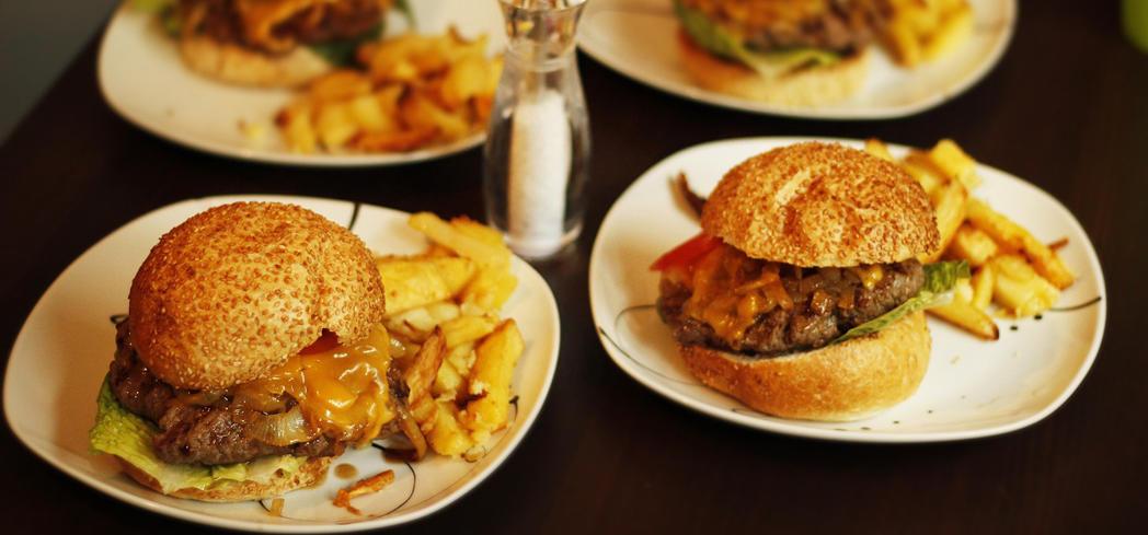 Road trip dining burger