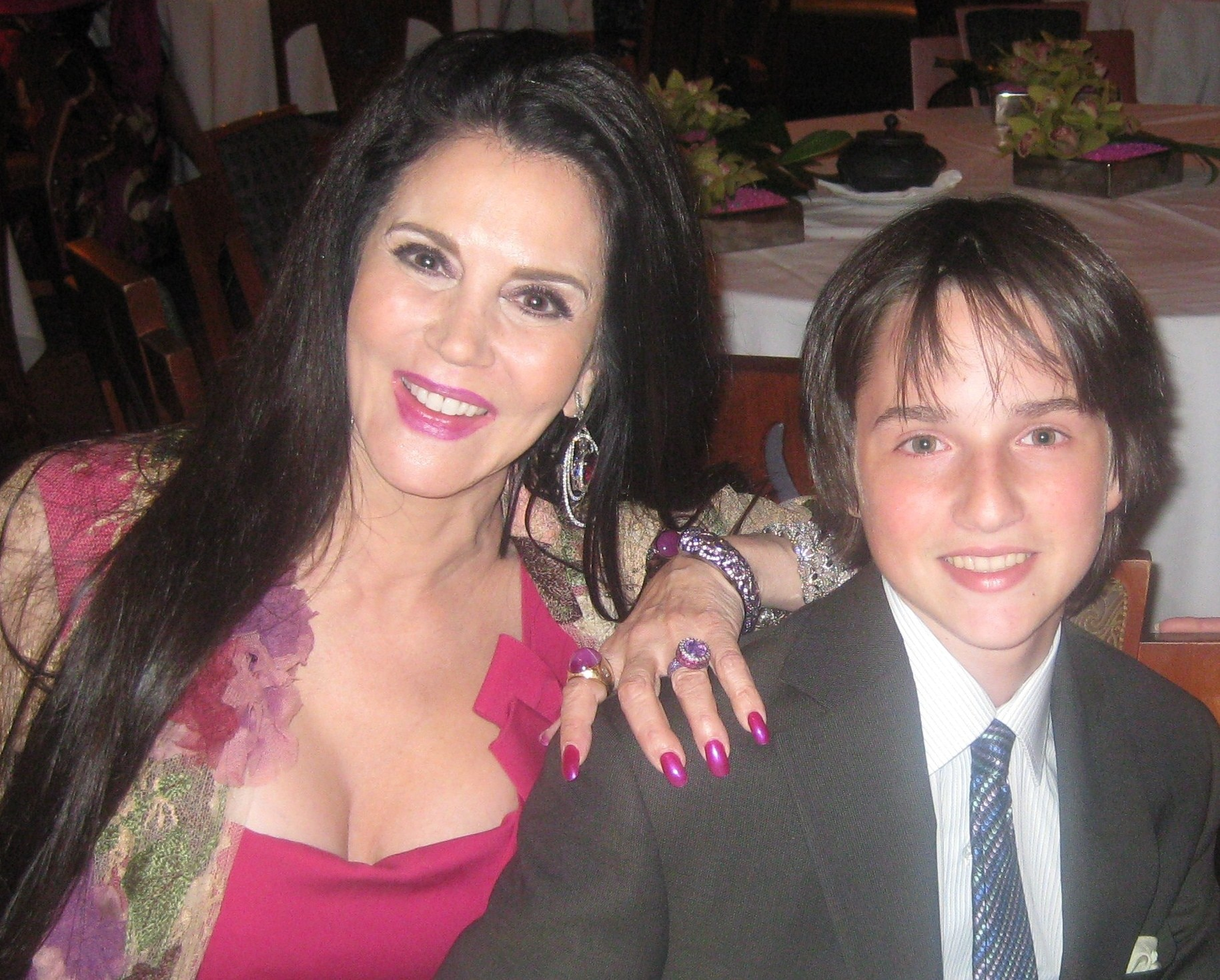 Youngest guest and son of Wolfgang Puck and Barbara Lazaroff, Byron with mom
