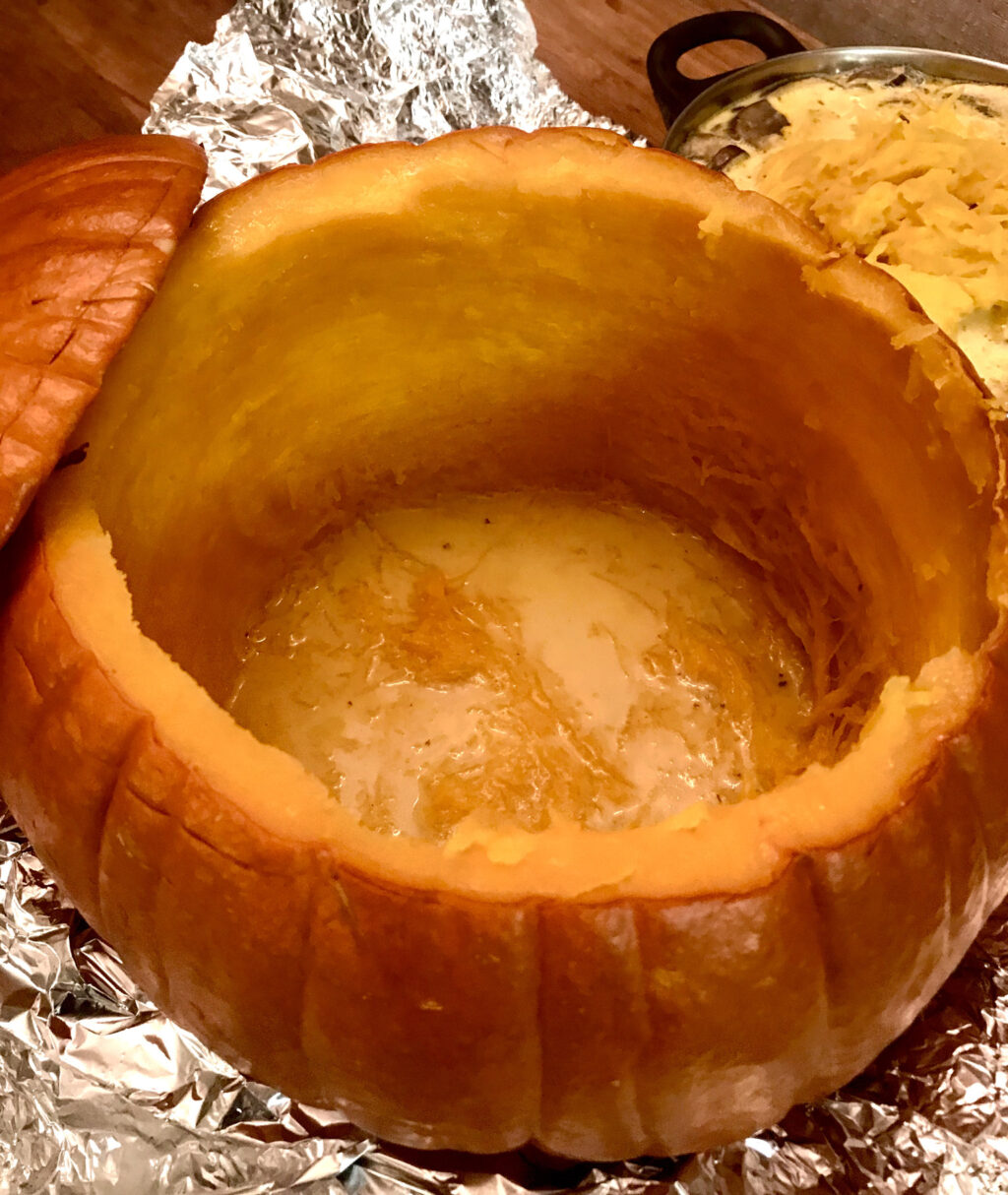 Empty the baked pumpkin